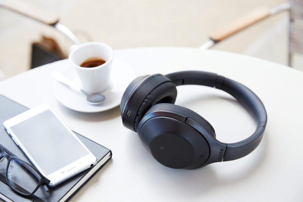 10 langatonta kuuloketta – Langatonta musiikkia kesäkorville