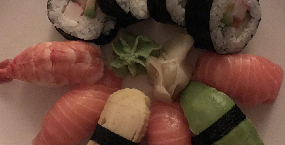 sushi-dark-iphone-7-plus-990x505