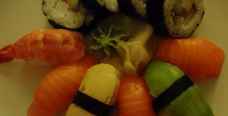 sushi-dark-xperia-x-compact-990x505